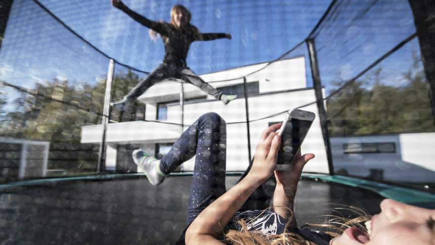 Trampolini za domačo uporabo – nov pogled na zabavo